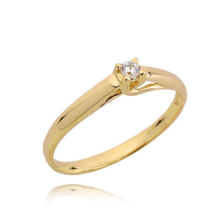 Pierścionek zaręczynowy z cyrkonią